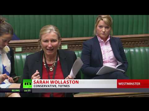 Tories lose as Commons votes to pause Universal Credit rollout