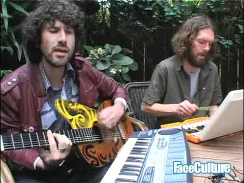 super-furry-animals-runaway-live-faceculture