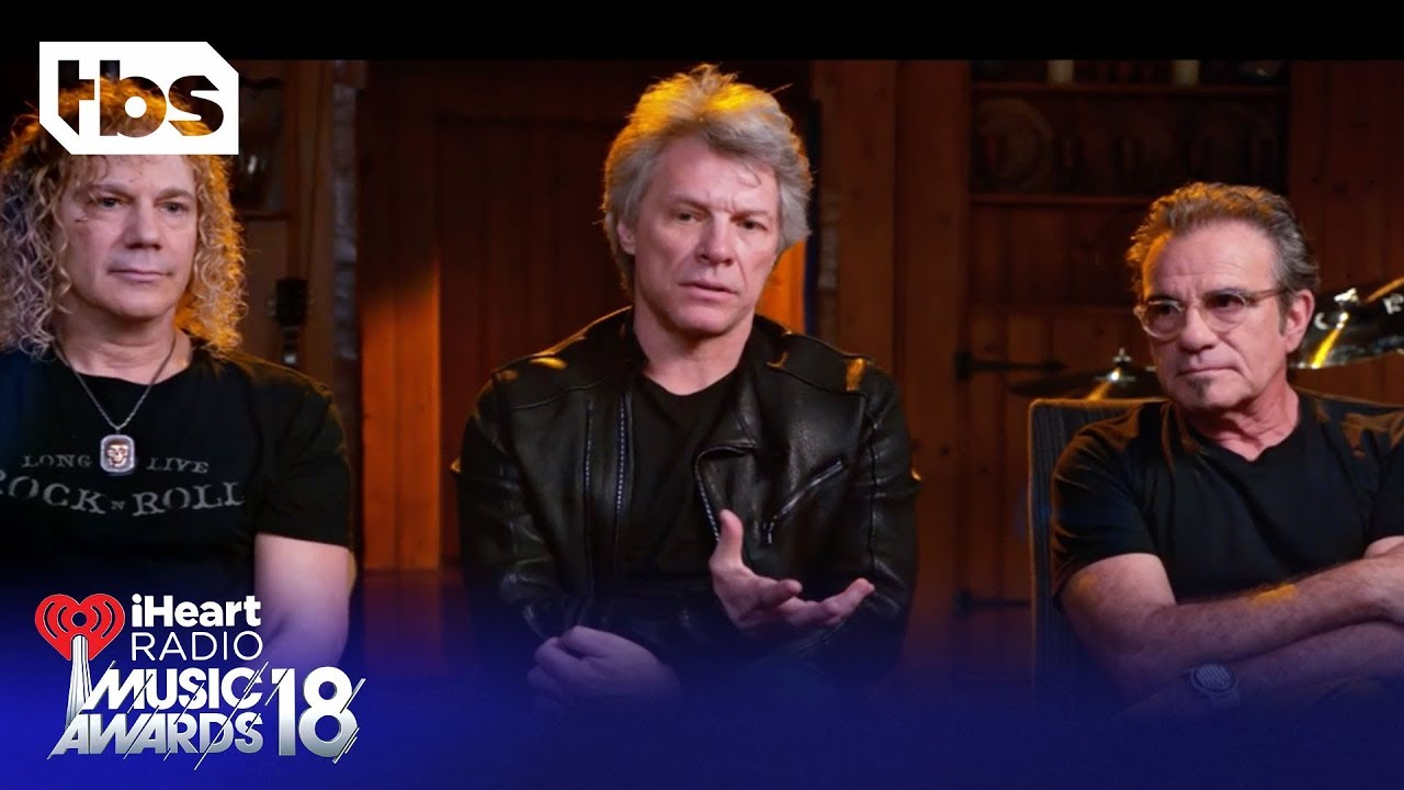 shaun-white-introduces-bon-jovi-for-icon-of-the-year-2018-iheartradio-music-awards-tbs