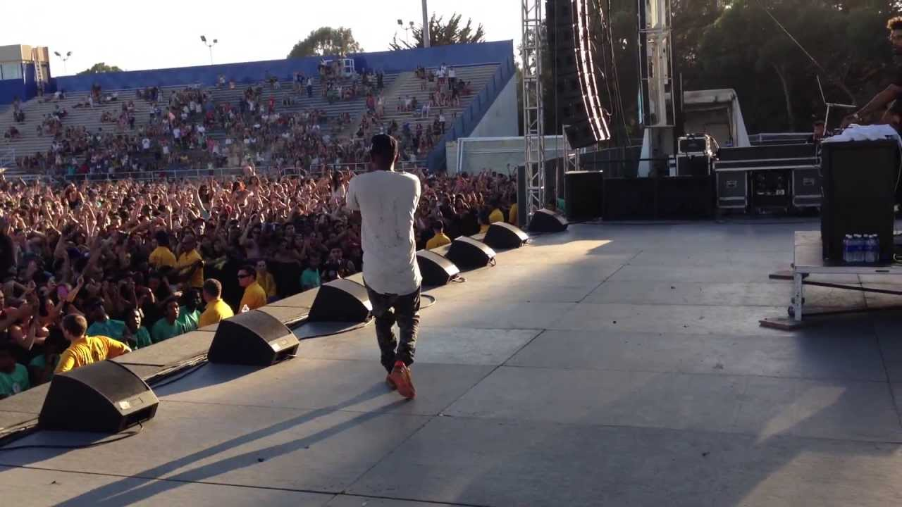 Kendrick Lamar Swimming Pools Drank Live Ucsb Youtube