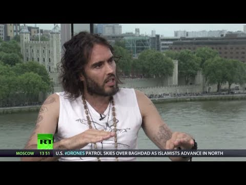 Keiser Report: Russell Brand talks revolution with Max & Stacy (E620)