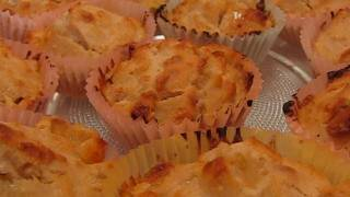 Betty's White Chocolate-macadamia Nut Cupcakes