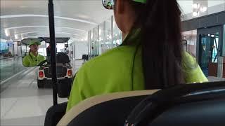 Sopir Cantikk! Gratis Naik Mobil Listrik di Terminal 3 Ultimate Bandara Soekarno Hatta Jakarta