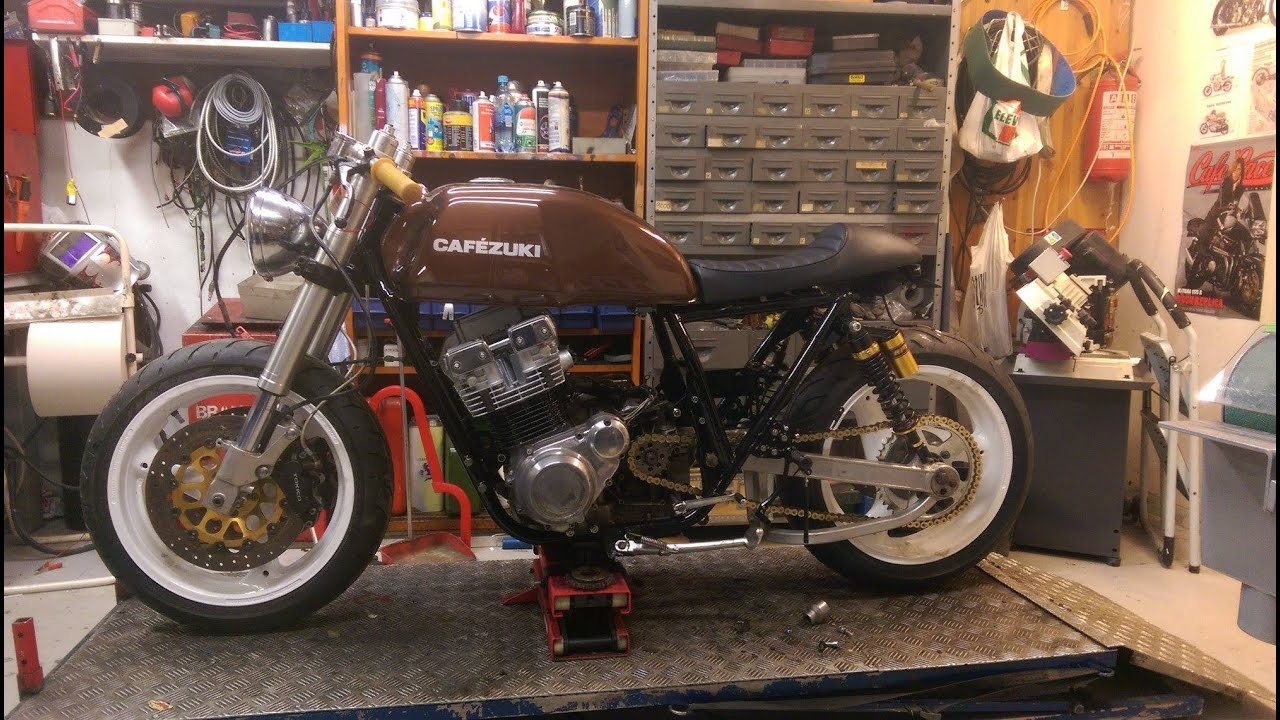 "building a cafe racer. suzuki gsx 750 1982. ""cafèzuki"" - youtube"