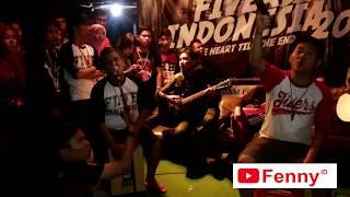Download lagu Aria FM nyanyi lagu Bersalah - Five Minutes (Akustikan dalam Acara Jambore Fivers Indonesia 2014)