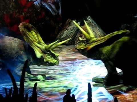 Walking with Dinosaurs - Torosaurus fighting