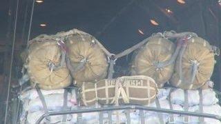 В Дейр-эз-Зор доставили еще одну партию гуманитарной помощи(, 2016-07-09T06:10:28.000Z)