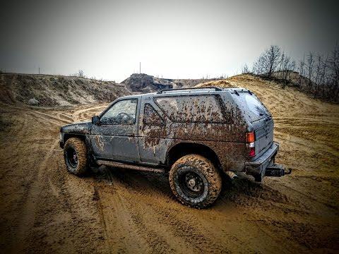 Тиран России. Nissan Terrano против тысячи слоев грязи.