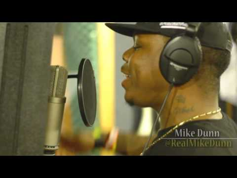 Mike Dunn behind the scenes at Maximus Music Studios