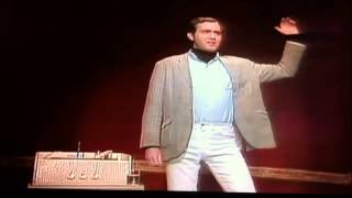 Here I come to save the day - Andy Kaufman (Short clip)