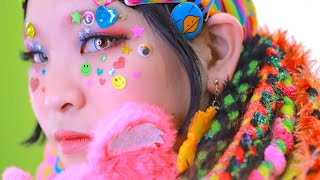 Japanese Girl Cute Makeup! DECORA girl does a Candy Girl inspired American fashion style
