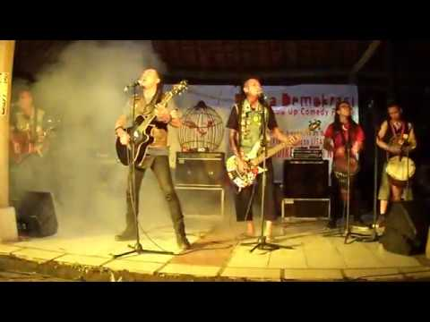 Indonesian Punk Band | Marjinal - Rencong Marencong