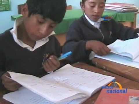 En distrito de Huancavelica se aplica municipalización de la educación