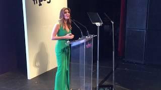 Fabiana Scaranzi é mestre de cerimônias em evento.