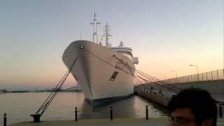 яхта Al Salamah в марине Фалиро, Афины, Греция (2)(снимали в яхт-марине Фалиро в Афинах, 27 октября 2013 Яхта N 7 по размеру в 2011 году длина яхты Al Salamah: почти 140..., 2013-10-28T15:29:35.000Z)