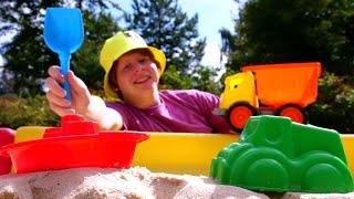 Моя песочница. Мультики для малышей и игры с песком. Играем с формочками, строим дорогу для машинки