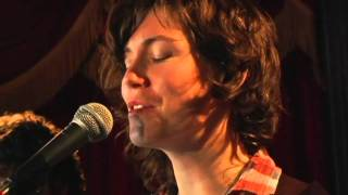 "Catherine MacLellan ""Old Tin Can"""
