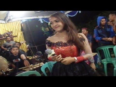 Sayang 2 _Voc. Putri - KMB Dangdut Campursari live In Mberan Jirak