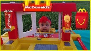 Діти Прикинься грати з Макдональдс колесах | дитячі іграшки кухонний гарнітур