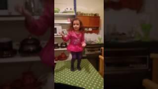 little fan of Arabic FAN Song Anthem   Jabara Fan - Grini   Shah Rukh Khan  