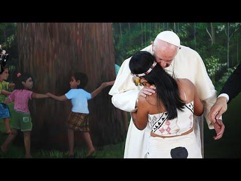 "Papa defende Amazónia contra ""ganância consumista"""