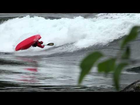 Dagger's New 2013 Play Boat: The Jitsu