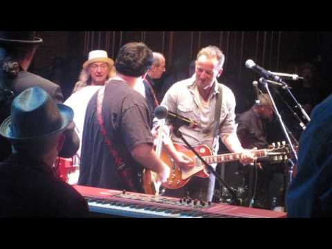 """Bruce Springsteen (w/ Upstage All-Stars) - """"Lucille"""" - Paramount Theatre, Asbury Park, NJ - 4/21/17"""