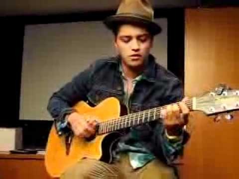 Bruno Mars - Count on Me (2010 Private Acoustic Live at OMD L.A.).flv