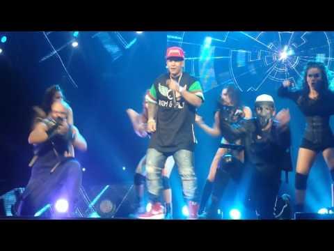 Daddy Yankee  machucando  Monterrey 2015