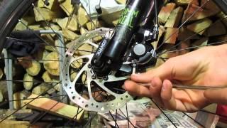 Как настроить дисковые механические тормоза на велосипеде(Ввкратце рассказал как правильно и быстро отрегулировать дисковый механический тормоз., 2015-05-28T11:47:57.000Z)