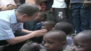 SG Ban Ki-moon visits IDP Camp March 14 2010