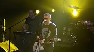 """Смотреть видео Znaki - """"Я ненавижу"""", в Opera Concert Club (Санкт-Петербург), 19.04.2019. онлайн"""