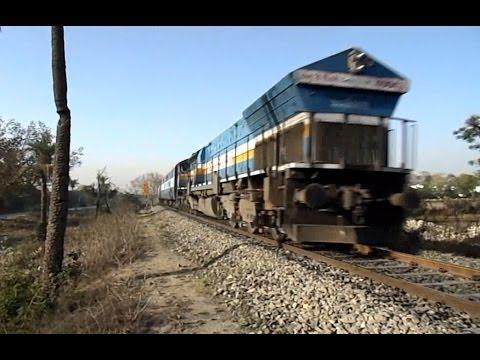 22995 Bandra Ajmer Superfast 95kmph INDIAN RAILWAYS