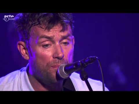 Клип Blur - Out of Time (Live)