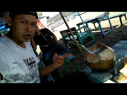 #VLOG Munggahan Minum Kelapa Muda di Pantai Pangandaran