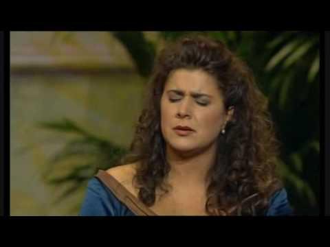 Vivaldi- Gelido in ogni vena; Cecilia Bartoli