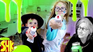 Detective Donut vs Donut Thief! The Strange Green Icing Slime Mystery with MiBro Robot SuperHeroKids
