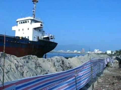 Ships on the beach of Da Nang Bay