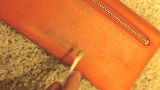 DIY ♥ Cleaning my Prada Leather Wallet