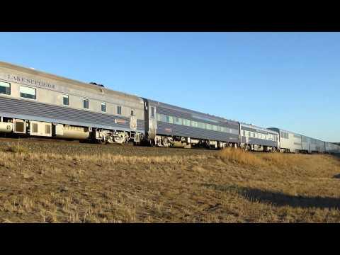 BNSF 8200 GE ES44C4 Leading a 12-Car Business Train in Tomah, CO