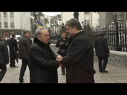 Le Bélarus et le Kazakhstan à Kiev pour tenter une médiation avec le Kremlin