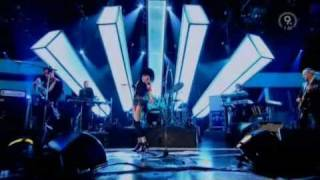 Siouxsie Sioux - Into A Swan (Live, Jools Holland 2007)