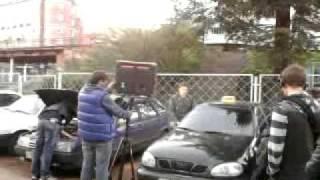 машина не открывается.mp4(Антошин садится в закрытый автомобиль., 2011-10-16T07:13:43.000Z)