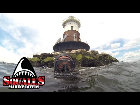 GREENS LEDGE LIGHT NORWALK CT   SQUALUS MARINE DIVERS
