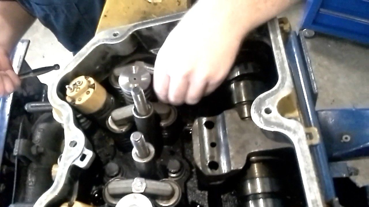 CAT Diesel injector removal, 3406e EUI injector removal and installation