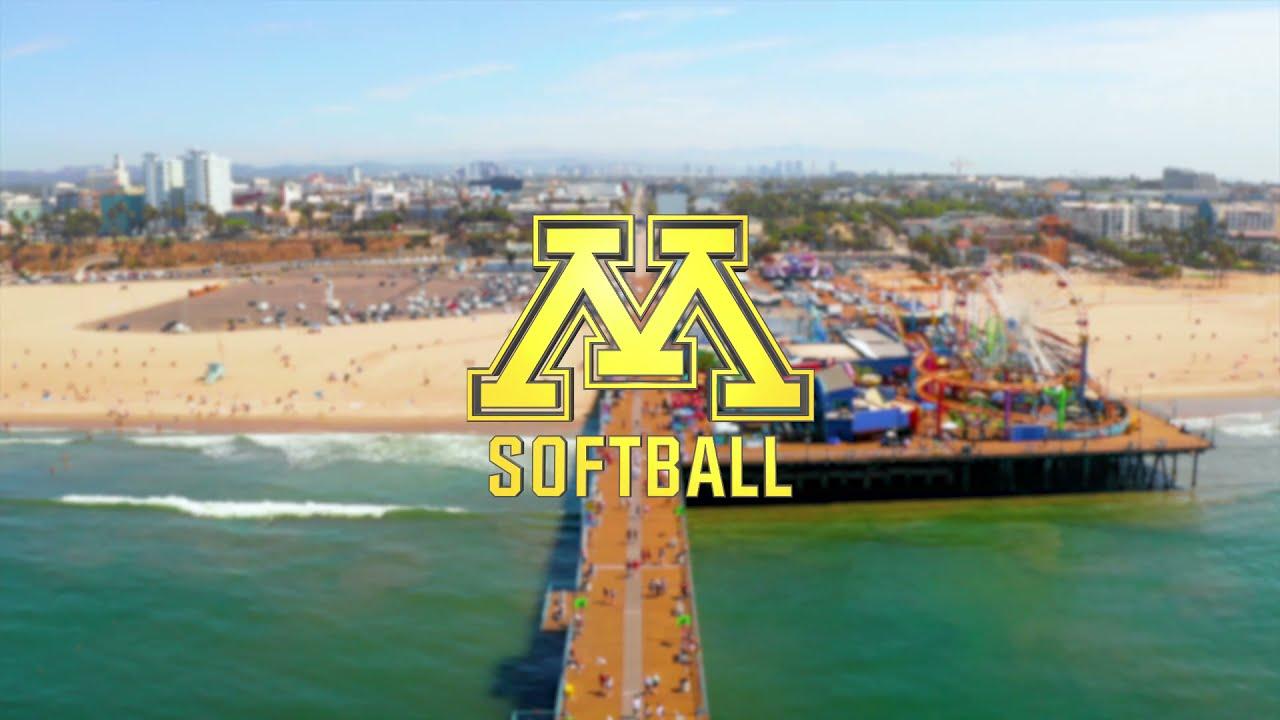 Gopher Softball: Sightseeing in Santa Monica!