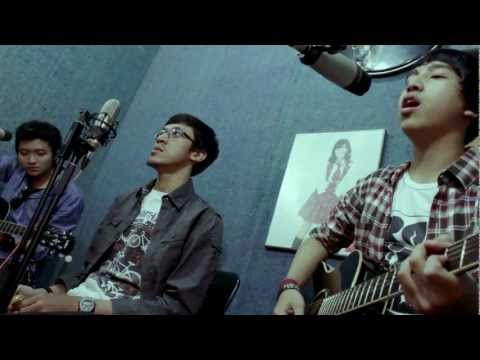 JKT48 - Acoustic Cover Medley by Rookie Boom