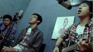 JKT48 Acoustic Cover Medley by Rookie Boom