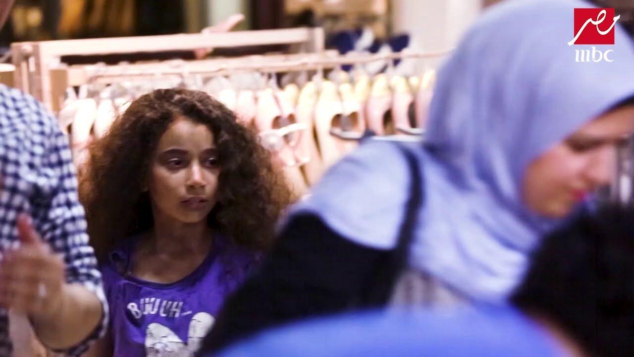 #الصدمة | المصريون يلقنون بائعا درسا بعد إهانته طفلة فقيرة
