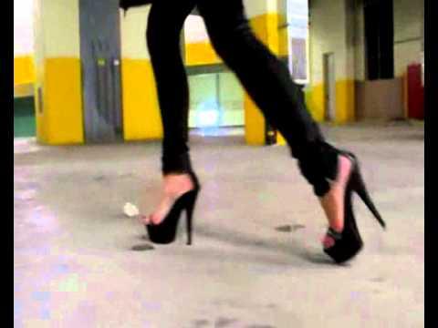 VR 4K Japanese high school girls dance (女子高生 JK ダンス) from YouTube · Duration:  3 minutes 18 seconds